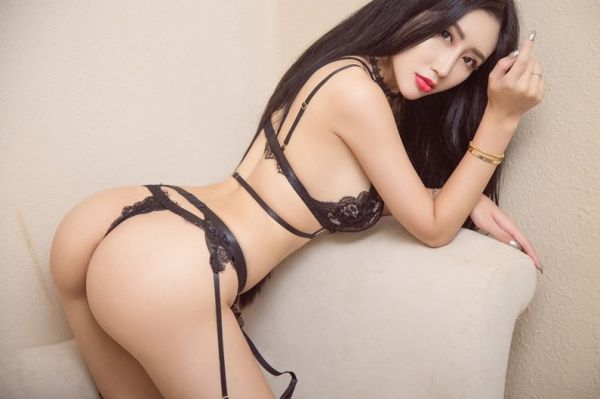 Book a hot BoBo , 167 cm on the best escort website