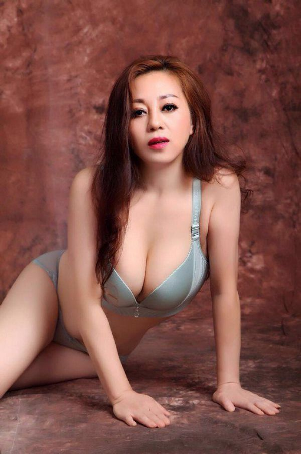 Aini is ready for dating lesbian ladies 24 7