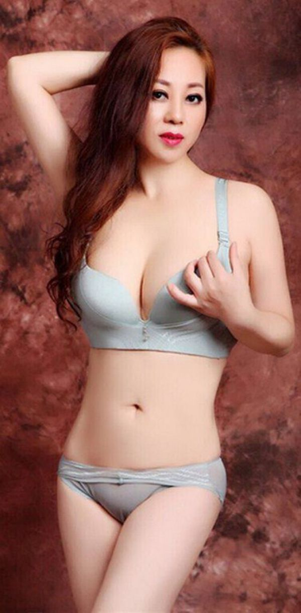 Sex with an exclusive escort Aini : call +973 33 830 905