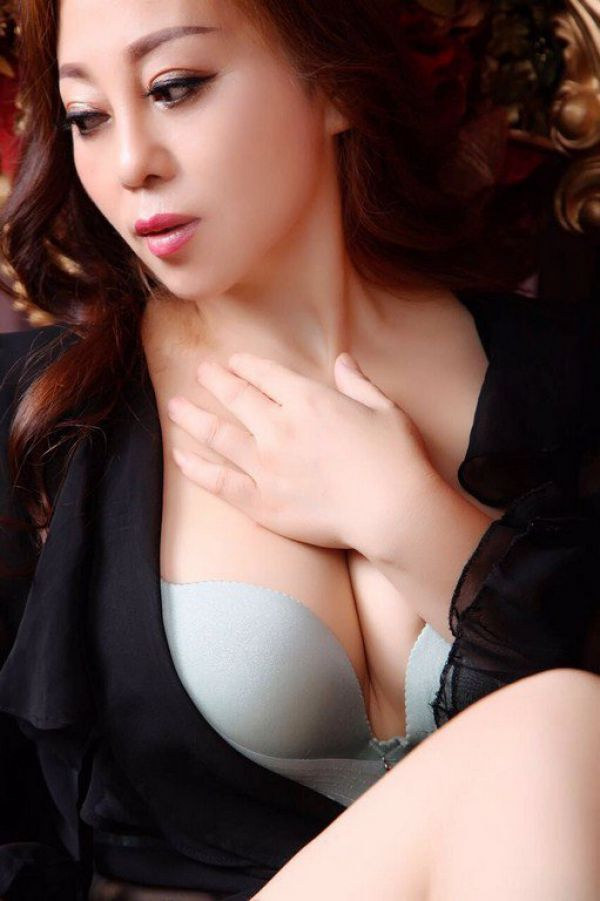 Aini for escort dating in Manama 24 7