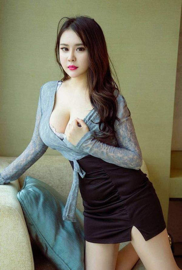 Local escort service offers sexy Qiqi , weight 55 kg, height 165 cm