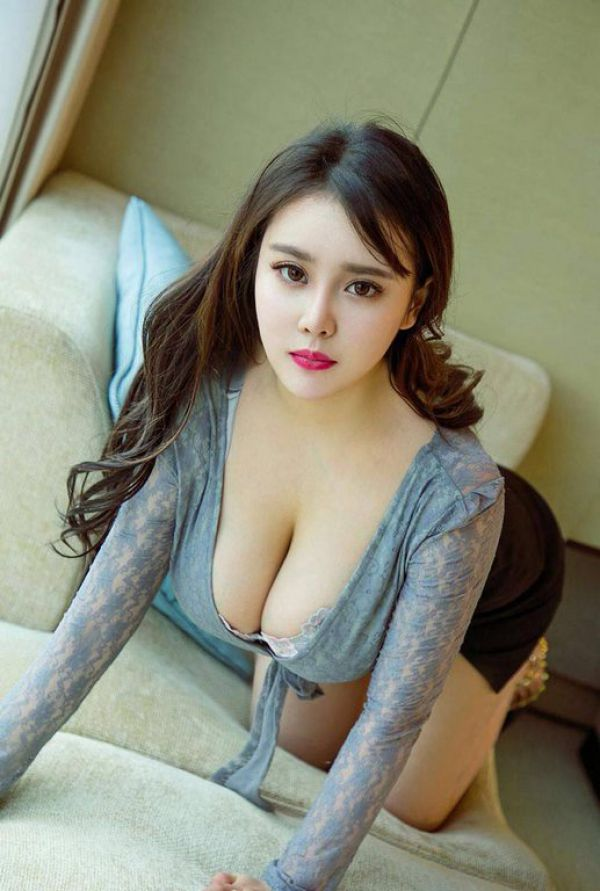 call girl Qiqi , from Bahrain