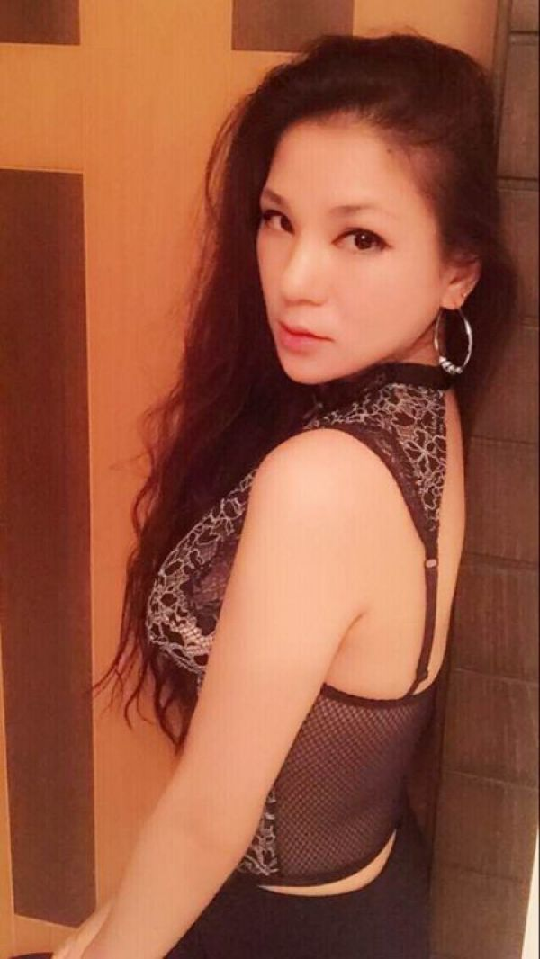 Invite Manama outcall escort Ava to your flat or hotel room