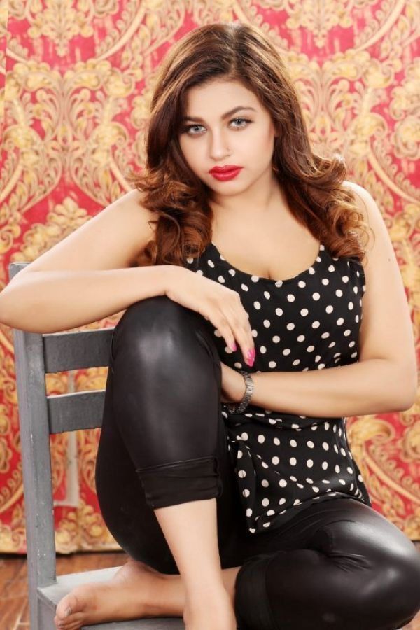 Dating services from stunning 20 y.o. HIRA MODEL