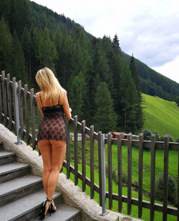 Blonde escort Brigite is a star of Bahrain for oral sex