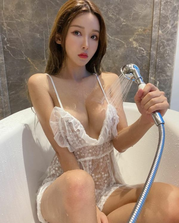Chinese prostitute Kenny, photos and reviews