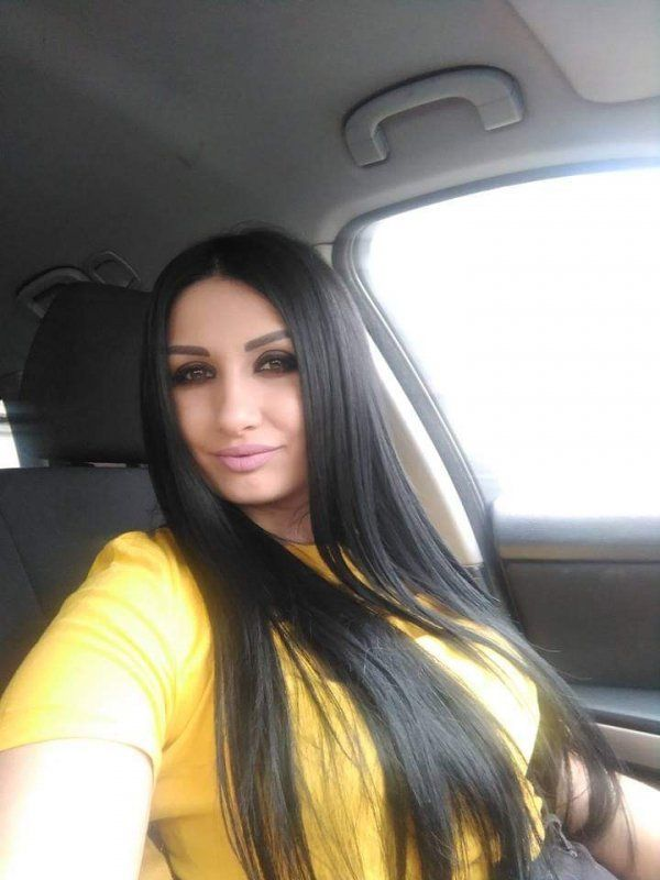 Sex with mature independent escort in Manama for BHD 170