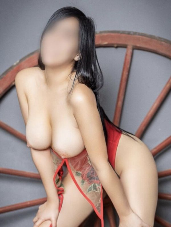 Local escort service offers sexy 19 years NATURAL BOOBS, weight 0 kg, height 167 cm