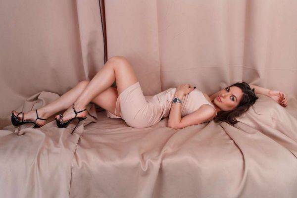 Invite Manama outcall escort Veronika to your flat or hotel room