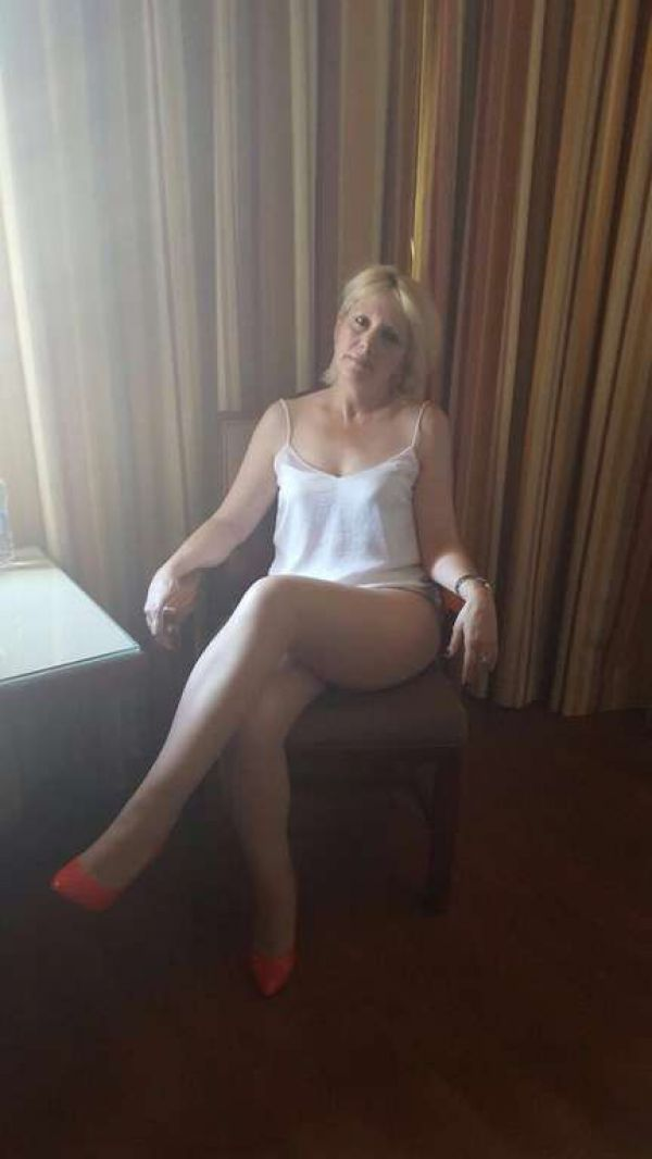 Spend a night with a massage escort in Bahrain for BHD 80 (for 1 hour)